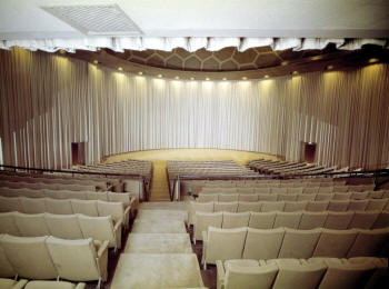 70mm in Los Angeles cinerama dome