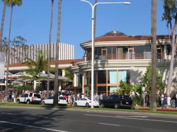 Island Cinema Cafe At Fashion